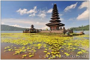 Świątynia Ulun Danu Beratan na Bali INDONEZJA