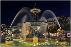 Fontanna na placu Rossio w Lizbonie PORTUGALIA