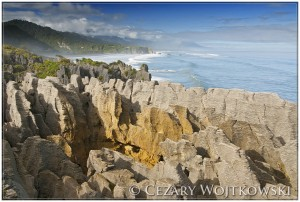 Pancake Rocks w Parku Narodowym Paparoa NOWA ZELANDIA